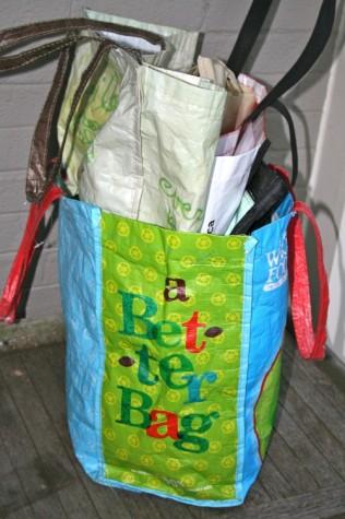 Paper, plastic bag tax hits retail stores Jan. 1