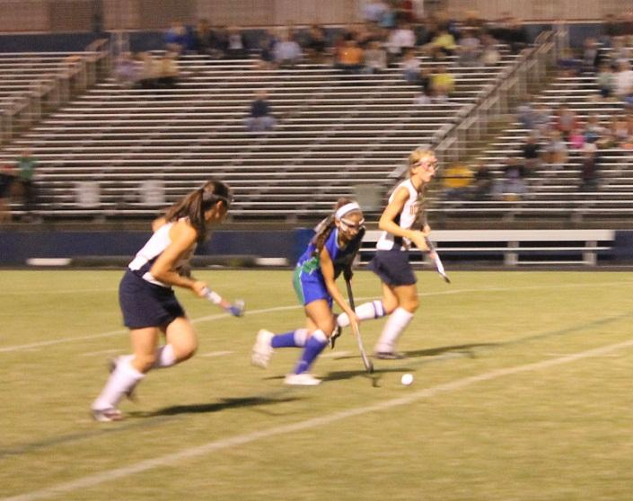 Field hockey opens strong despite loss to rival