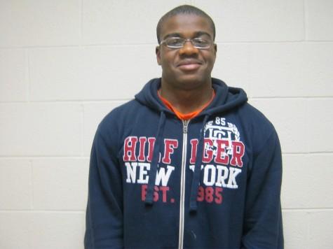 Senior earns scholarship