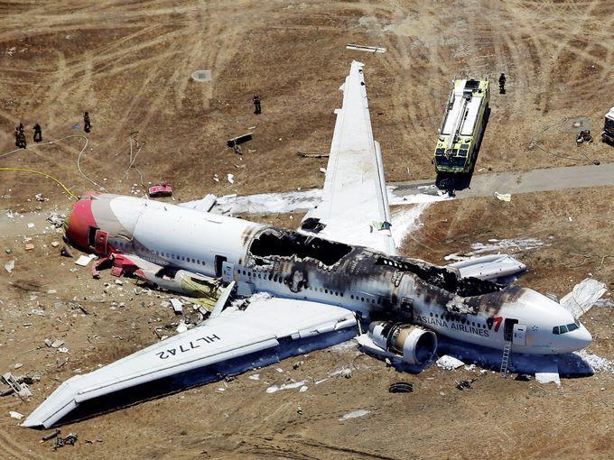 Plane Crash-Lands in San Francisco