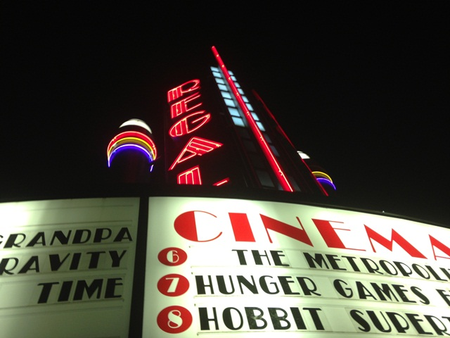 'Catching Fire' pleases readers and moviegoers alike