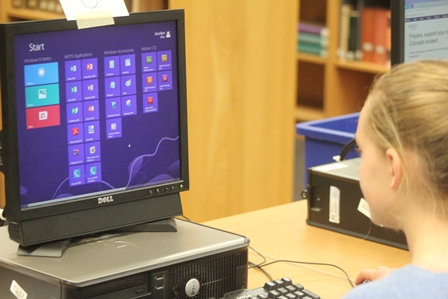 Students, staff struggle with Windows 8 update