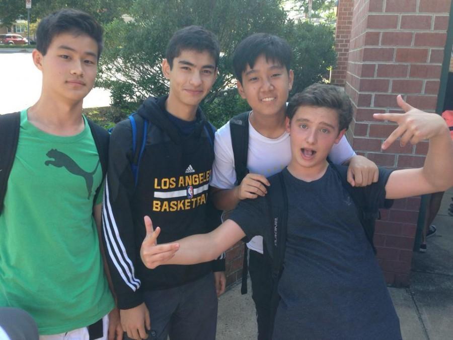 Class of 2018 bonds during Freshman Picnic