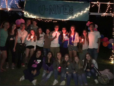 Sophomore students ignite candles and friendships at U-Nite 2016.