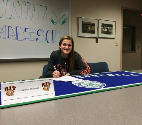 Female Ice Hockey Player Commits to Play in College