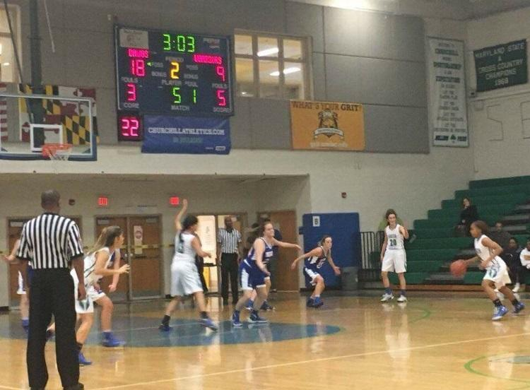 Freshman+guard+Brittini+Martin+sets+up+an+offensive+play+in+the+Bulldogs%E2%80%99+52-+43+win%0ADec.+19+against+Sherwood.