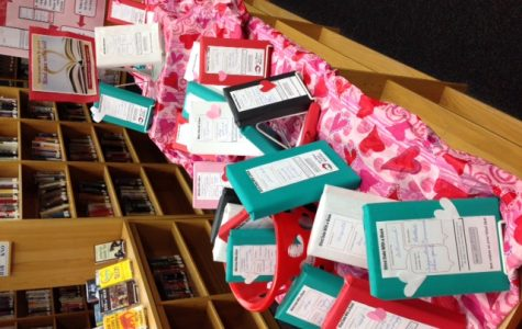 """CHS Students Cherish """"Blind Date with a Book"""" Program"""