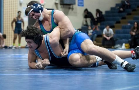 Wrestling team pins down record-breaking season