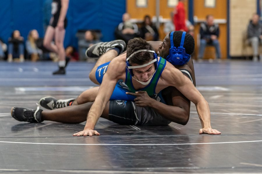 WCHS Varsity Wrestling members compete at individual state tournament