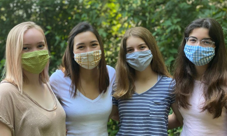 Solidarity Mask team members and students Meredith Eby, Lily Geshelin, Sofía Noguera and Carolina Noguera have all been working together to run the non-profit since May of 2020.