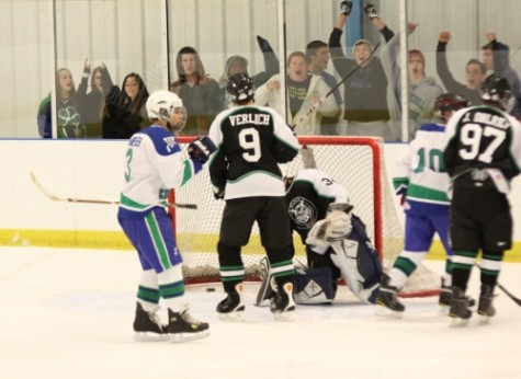 Hockey starts off strong, aims for back-to-back titles