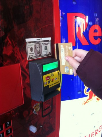 Cafeteria, vending machines should accept credit cards