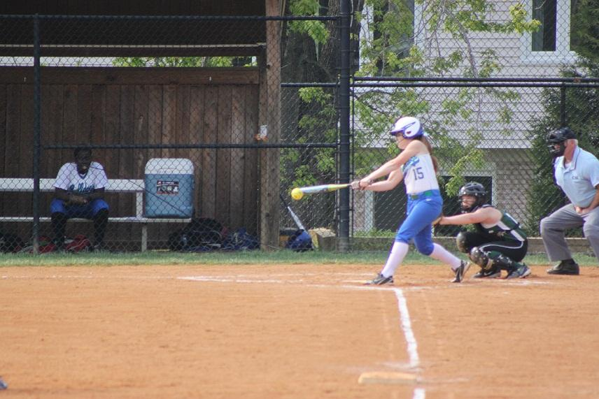 Despite injury, softball team stays focused