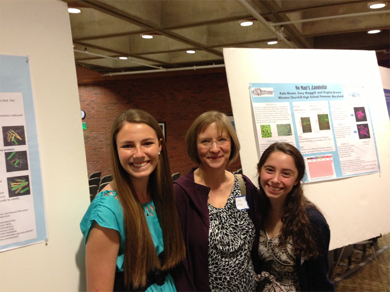 Mol-Gen students attend symposium, present work