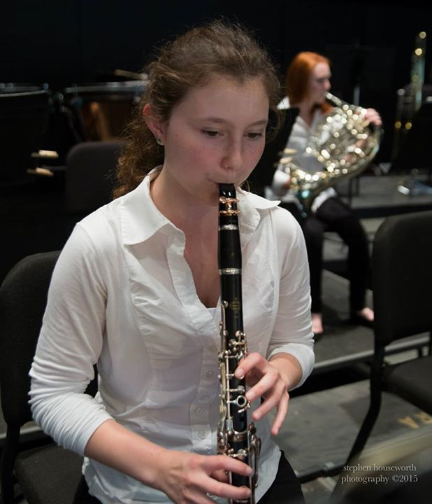 Senior+Samantha+Locraft+is+learning+how+to+play+the+E-flat+Clarinet%2C+piano+and+flute+in+addition+to+her+skills+with+the+clarinet+and+saxophone.