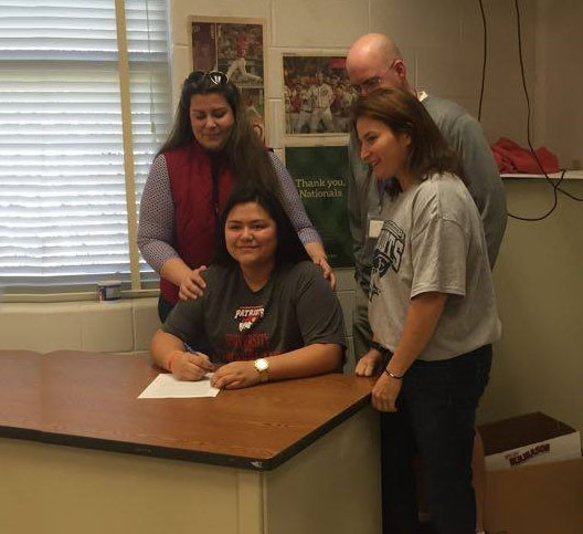Senior Ashley Simpson signs to play lacrosse at the University of the Cumberlands