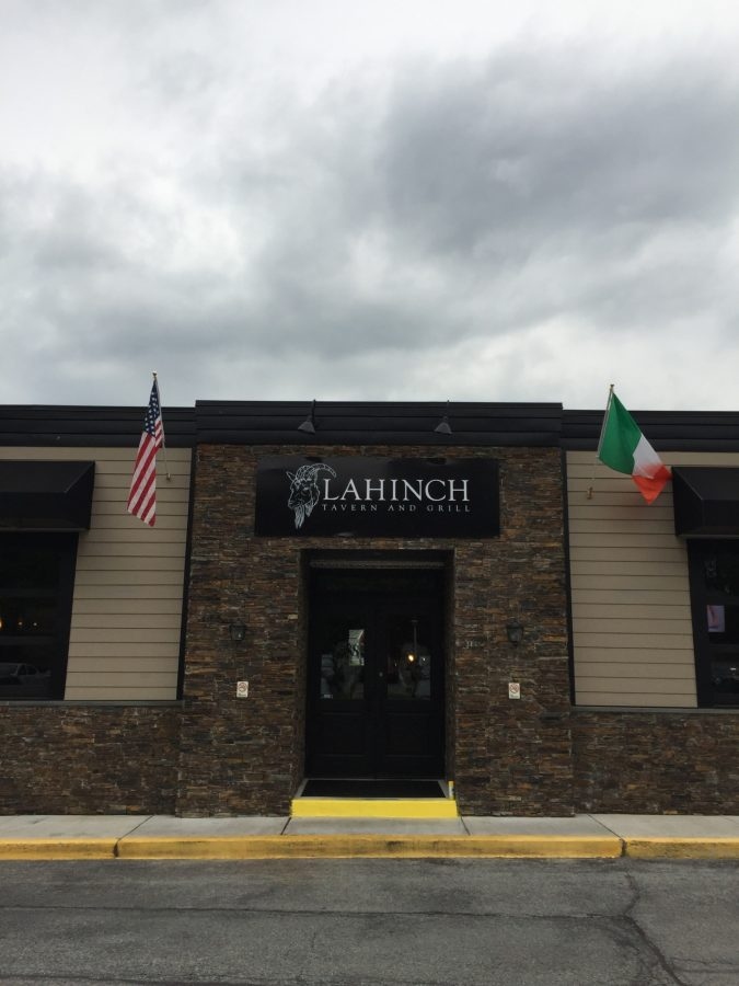 Replacing+Benny%27s+Bar+and+Grill%2C+Lahinch+Tavern+and+Grill+opened+April+20+and+features+American%2C+traditional+Irish+and+even+vegan+cuisine.