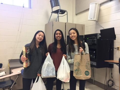 English Honors Society gives back