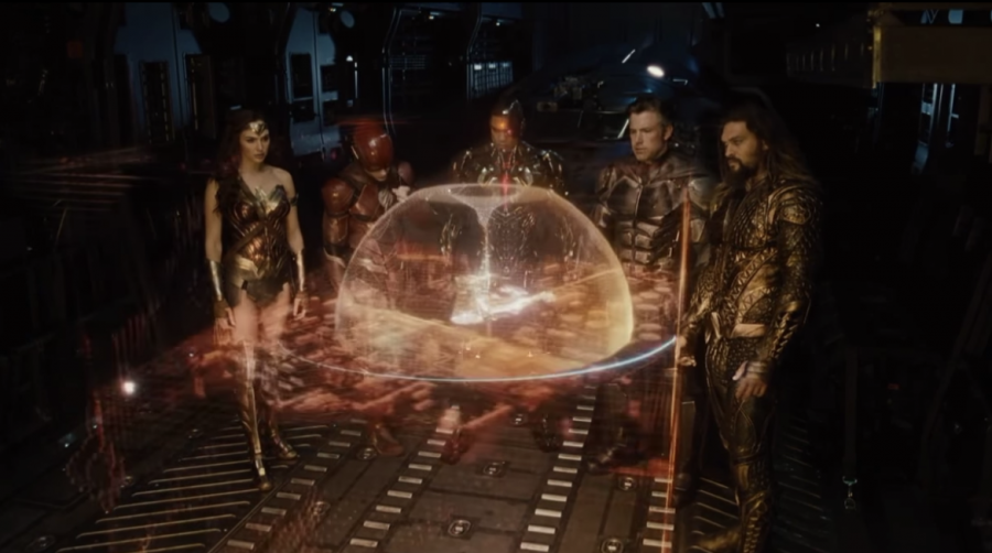 Visual+effects+like+the+hologram+showed+above+were+just+one+of+the+things+that+Zack+Snyder+nailed+in+his+version.+Additionally%2C+great+camera+angle+choice+makes+this+scene+one+of+the+best+in+the+movie.+